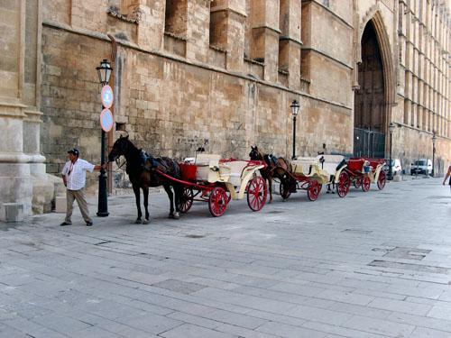 horsecoach.jpg